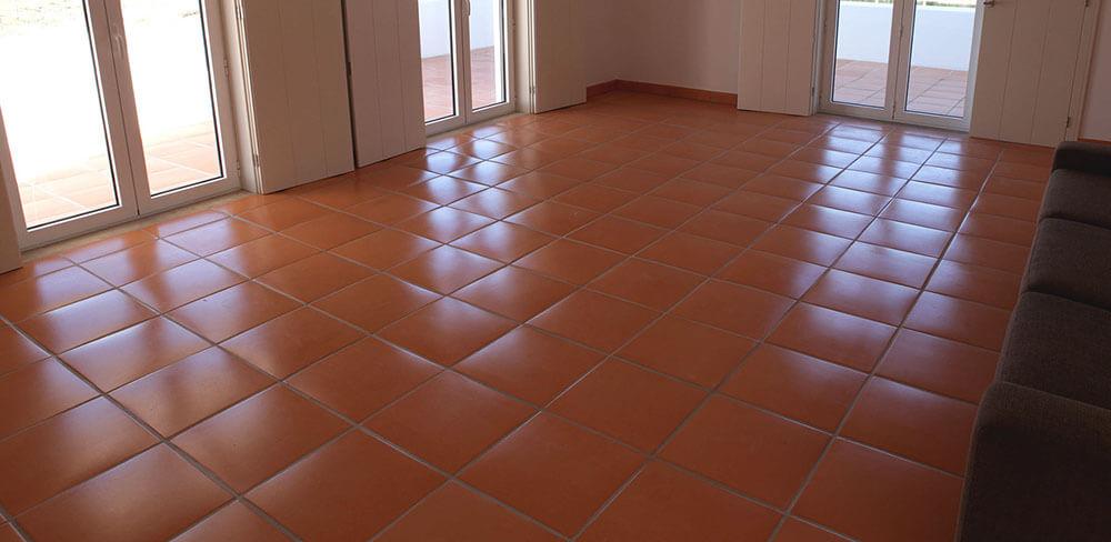 tratamento chão de tijoleira terracota